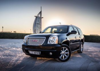 Rent a Car With Driver in Dubai